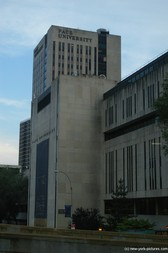 Pace University building in New York.jpg