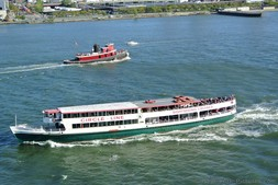 Circle Line Sightseeing Cruises ship in the waters off of Manhattan New York.jpg