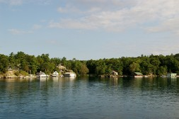 Homes with Private Docks at 1000 Islands Ontario.jpg