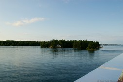 House on Thousand Islands seen from Gananoque Boat.jpg