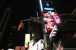 W 47 St sign at Times Square New York.jpg