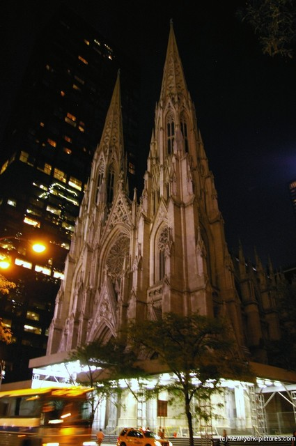 Collegiate Church of St. Nicholas at night near Rockefeller Center in New York.jpg