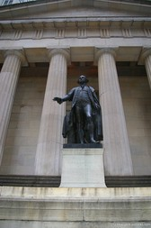 George Washington statue at Wall Street in NYC.jpg