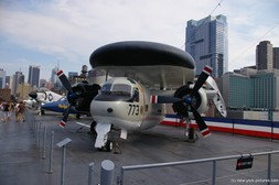 Grumman E1-B Tracer aircraft aboard the Intrepid in NY.jpg