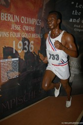 Jesse Owens at Madame Tussauds in New York City.jpg
